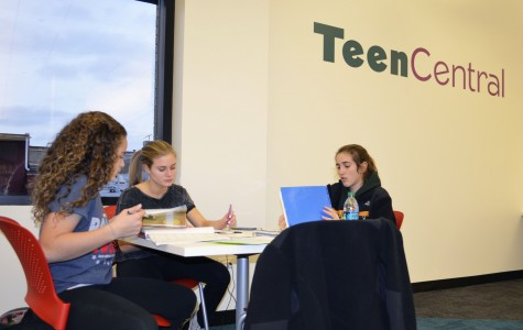 Teen Central draws students into DG Public Library