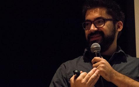 """""""Steal Like an Artist"""" author Austin Kleon speaks to students"""
