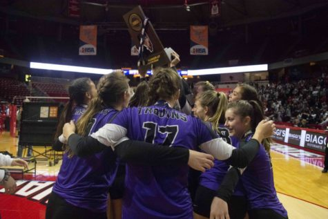 Girls Volleyball Team begins journey to reclaim Elite 8 title