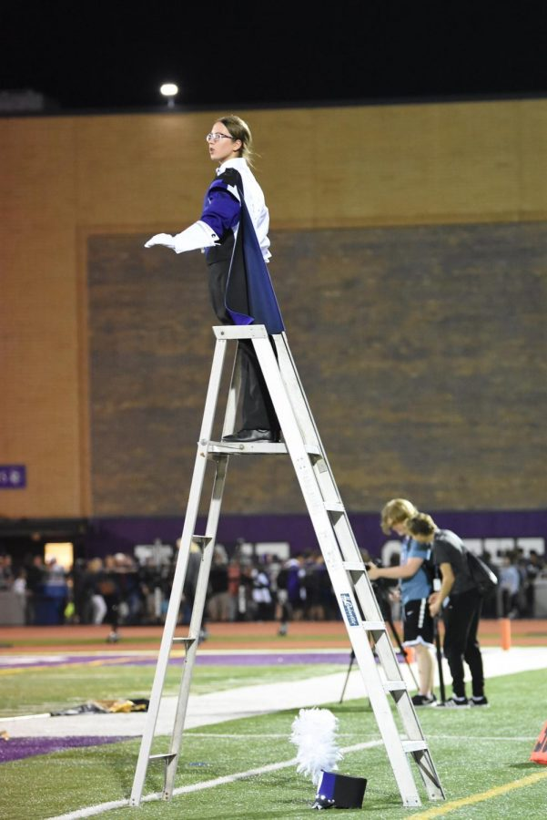 TOP+OF+THE+LADDER%3A+Drum+Major+Carissa+Blumka+%2812%29+conducts+for+the+marching+band.