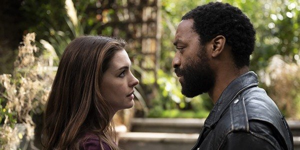 Linda Thurman (left) and Paxton Riggs (right), portrayed by Anne Hathaway and Chiwetel Ejiofor respectively